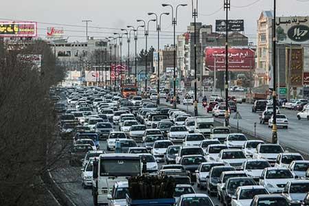 انسداد ۶ محور به دلیل نبود ایمنی / آزادراه کرج-تهران-کرج پرترافیکترین جاده کشور